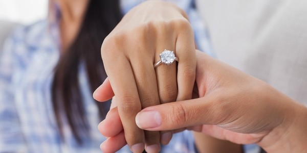 Choosing an engagement ring: Know your stone cuts