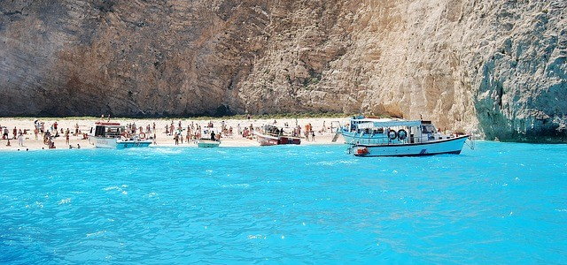 5 Best Holiday Options You Have For A Summer in Greece