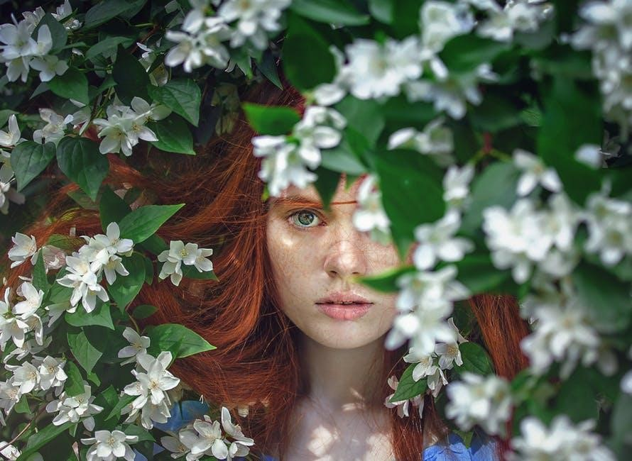 woman-flowers-red hair